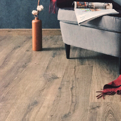 Laminate floor cleaning service